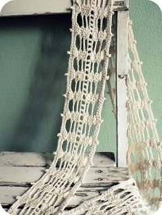 Crochet scarf from a tute based on Luna Lovegood's scarf! WANT!