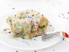 Overnite Cake Batter French Toast Casserole 1 loaf Sourdough Or French Bread (I used sourdough) 8 whole eggs 2 1/2 cups milk 1/2 cup heavy whipping cream 2 cups funfetti cake mix 2 tsp cinnamon 2 tsp Vanilla Extract 5 tbsp sprinkles