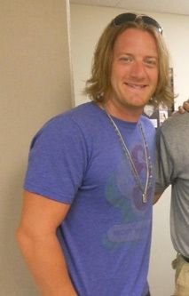 Tyler hubbard on pinterest florida georgia line cruises for Tyler hubbard tattoos