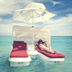 Floating lounges