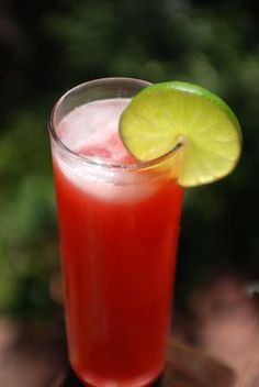 Agua de Fresa.  Mexican Strawberry Water Drink Recipe.