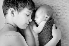 Dormir con tu hermano mayor es ...como dormir con tu super héroe.