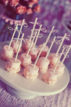 Dipped marshmallow on bamboo skewers