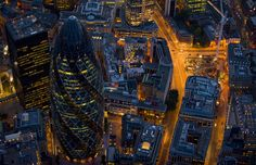Лондон вночі - Шпалери Для мобiльного телефону: http://wallpapic.com.ua/art-photos/london-at-night/wallpaper-20213