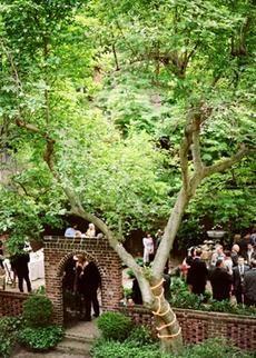Classic Philadelphia Wedding Captured by Kate Murphy - Real Weddings - Loverly