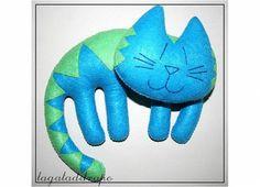 Muñeco gato de fieltro