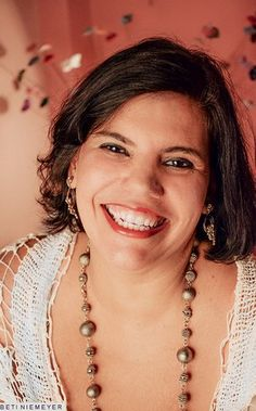 """No dia do centenário de Dorival Caymmi, neta do artista revela: """"Descobri uma música inédita"""" - http://epoca.globo.com/colunas-e-blogs/bruno-astuto/noticia/2014/04/no-dia-do-centenario-de-bdorival-caymmib-neta-do-artista-revela-descobri-uma-musica-inedita.html (Foto: Beti Niemeyer)"""