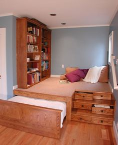 A Cozy Reading Room Combined A Hidden Bed. God, I Want This One.