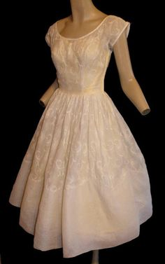 vintage 50's embroidered sheer tea length wedding dress $100