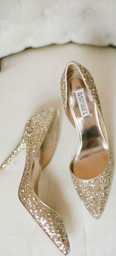 Gold Heels #omg #sho