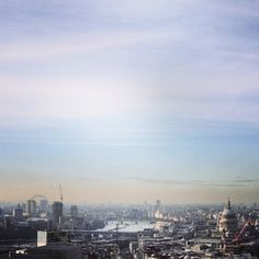 Bright and hazy skies over the London skyline this afternoon 6°C I 43°F #BurberryWeather