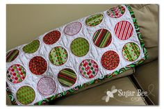 here's how to make a Christmas Circle Quilt