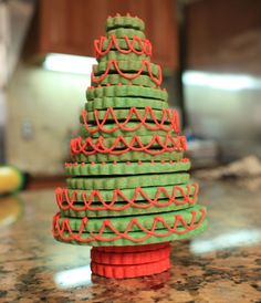 11 Ways to Display Your Holiday Cookies So They Look Like a Christmas Trees