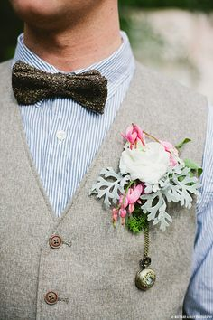 groom style, bow ties, uniqu boutonnier