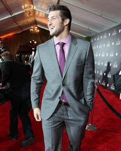 Lookin' MIGHTY fine at the NFL Honors Awards!!