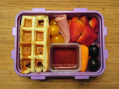Becoming A Bentoholic: Leftovers on Fridays - Waffles for Lunch