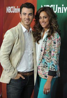 Kevin & Danielle Jonas. Dani always looks so gorgeous! Love her style<3