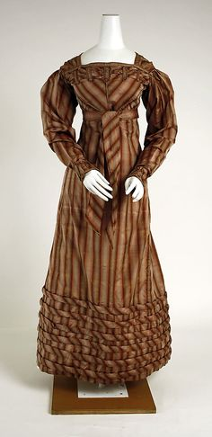 Visiting dress, 1820–23, American, silk. In The Metropolitan Museum of Art collection.