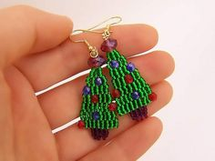 Looking for a wearable craft for the Christmas season? Try these adorable Christmas tree earrings and stay festive this season!
