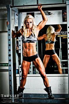 Su Farrell Figure Competitor / Fitness Model