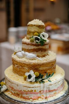 Momofuku Milk Bar wedding cake: http://www.stylemepretty.com/2014/10/21/glamorous-boca-raton-courtyard-wedding/   Photography: Kallima - http://kallimaphotography.com/