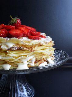 Oh, Canada! 18-Layer Strawberry Crêpe Cake Recipe This looks Amazing! #WOW #Strawberry_Crepe #Recipe