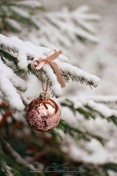 rose gold ornaments <3