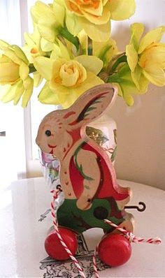 Vintage - Easter Bunny Pull Toy