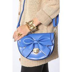 Nila Anthony GIant Bow Bag in Baby Blue! nila anthoni, bow crossbodi, giant bow, accessori pleas, fashion accessories, bows, bow bag, crossbodi bag, bags