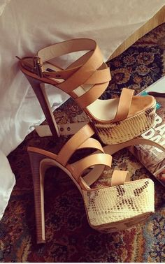 Sexy strappy sandals aka summertime fine heels…