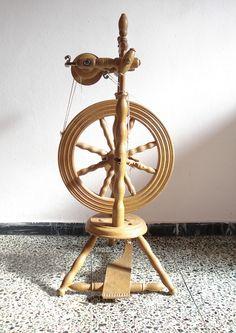 Spinning wheel | Flickr - Photo Sharing!