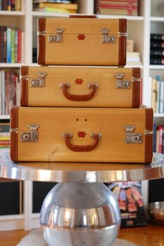 How to Get Rid of that Musty in Vintage Luggage