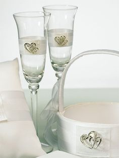 Classic Double Heart Wedding Flute Set