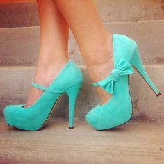 Mint maryjanes...with bows! I love!