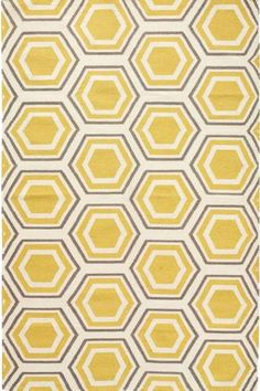 Trendspotting: Hexagons! Brighten any room in your home with this yellow and cream hexagon pattern.