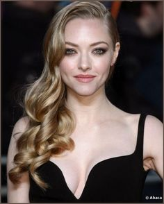 50 Hairstyles of 2012 Amanda Seyfried is simply sublime with this curly mane very Veronica Lake. One of the most beautiful hairstyles of the year.