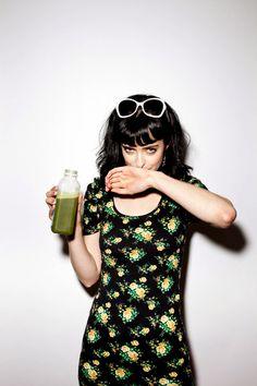 green juice, Krysten Ritter & florals