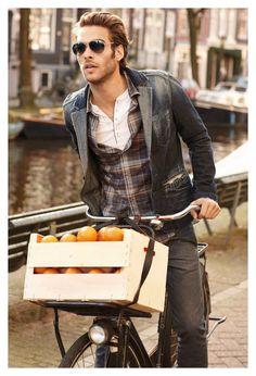 #MensFashion #Casual #Men #Fashion #Jacket #Shirt #Lapels #Vents #Trousers #Fabrics #GoodLooking #Urban #Boots #Bag #Glasses #Sunglasses #JonKortajanera #Orange #Bike
