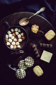 Hot chocolate and cookies #CoffeeMillionaires #Success #HotChocolateLovers #ilovemyjob
