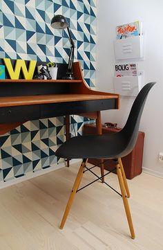 Best desk Alex has ever seen! Eames chair and Ferm Living Remix wallpaper