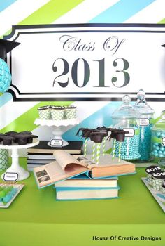 BLUE AND GREEN THEMED GRADUATION PARTY