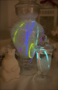 Northern Lights in a jar: with glow necklaces for a polar bear glow party get your glow necklaces here http://glowproducts.com/glownecklaces/ polar bear party, 4th birthday, polar bears, bear parti, alaska parti, birthday idea, northern lights, alana 4th, parti idea