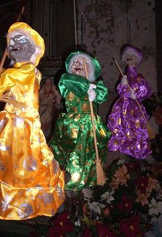 La Befana - Italian folklore about an old woman who flies on a broom and comes down the chimney to deliver presents to good children on the night of Jan 5th (Epiphany Eve).