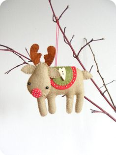 PDF pattern - Rudolph the red-nosed reindeer. Felt Christmas tree ornament, easy sewing pattern, DIY