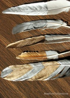 golden feathers#diy #howto #doityourself #livingwikii #diyrefashion #ideas #partymostess #tricks #home #tips