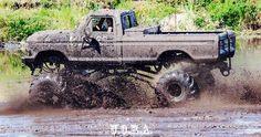 Coyote Mud Bog Astatula, Florida. 1977 Ford Mudtruck