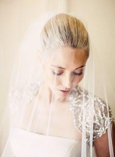 wedding dressses, gold weddings, lace wedding dresses, wedding veils, bridal veils