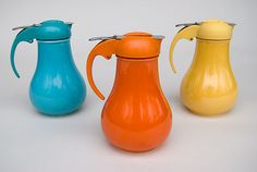 vintage fiesta ware-- syrup!!! oh, how i love these;  where could I find these?