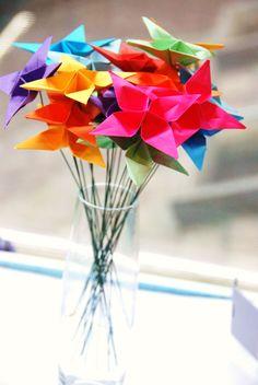 fleurs papier arc en ciel