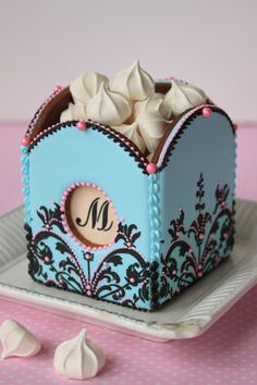 Cookie Box by Julia M. Usher. The box is all-cookie too!